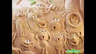 Sesame Street Sand Animals Sing a Song
