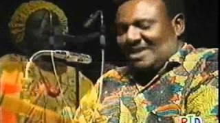 Hees Somali - Aweys Khamis iyo Madina Cali