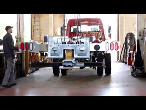 Commercial Truck & Tow Truck Service and Repair | Lynch Truck Center
