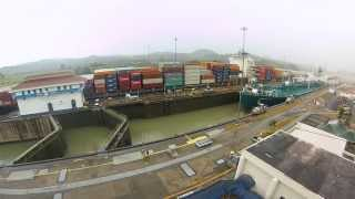 PANAMA CANAL - Time lapse- Huge Container ship crossing [GoPro Hero 3] HD