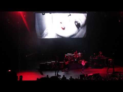 Avril Lavigne - Bad Girl Live - São Paulo April 30 2014