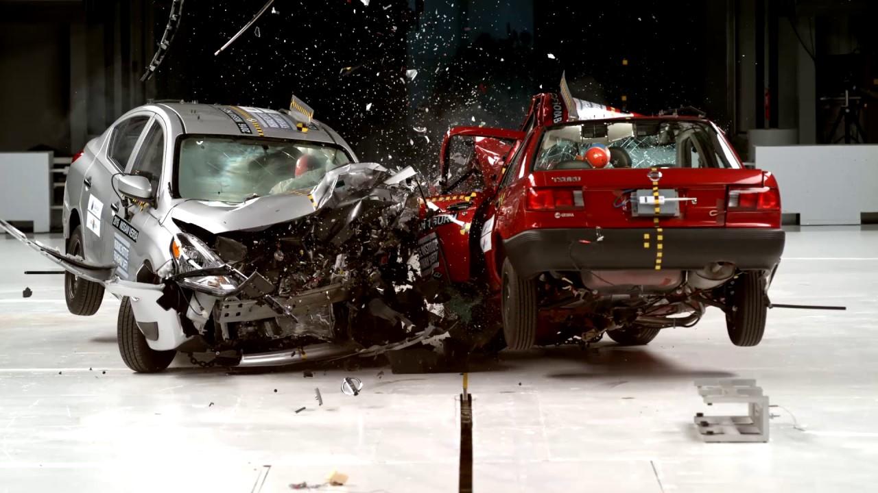 Old Car vs. Modern Car. Which Is Safer? Versa vs. Tsuru Crash Test