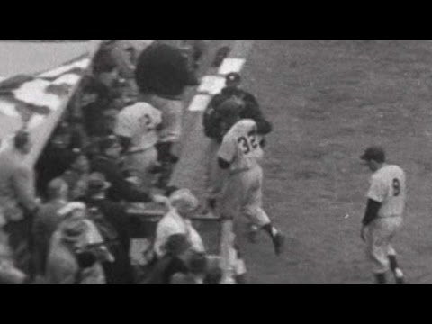 WS1957 Gm4: Howard homers to tie the game in the 9th