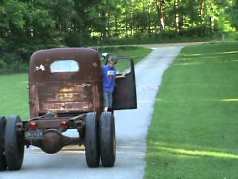 1947 International Truck >> 1947 kb-5 international first drive part 1 - YouTube