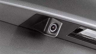 Замена штатной камеры заднего вида Hyundai ix35, Tucson, Elantra на не оригинальную смотреть