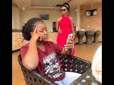 Download OLUGAMBO. Desire Luzinda yejjusa okulaga ekitone. Ayannukudde Bbawe olw'okumukyayisa omwana we.