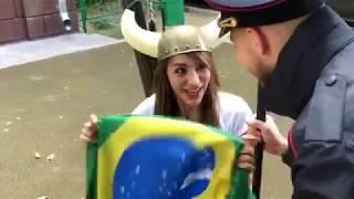 Video Blogueira russa ridiculariza comportamento dos brasileiros na Copa download MP3, 3GP, MP4, WEBM, AVI, FLV Oktober 2018