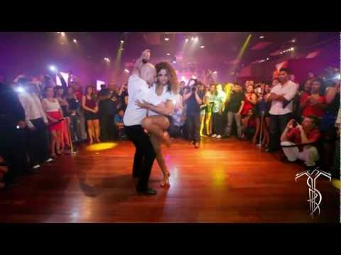 ATACA & LA ALEMANA Bachata Dance Performance 40 MILLION VIEW PARTY @ THE SALSA ROOM