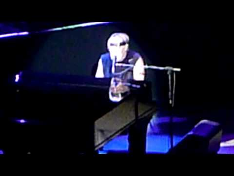 Bob Segar At Boston Garden On 4/15/2011 - We've Got Tonight