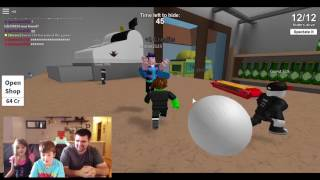 Kid Temper Tantrum SOLE SURVIVER in Hide and Seek EXTREME on Roblox