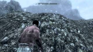 Skyrim: [SECRET] Chest under Whiterun (350lbs of loot)