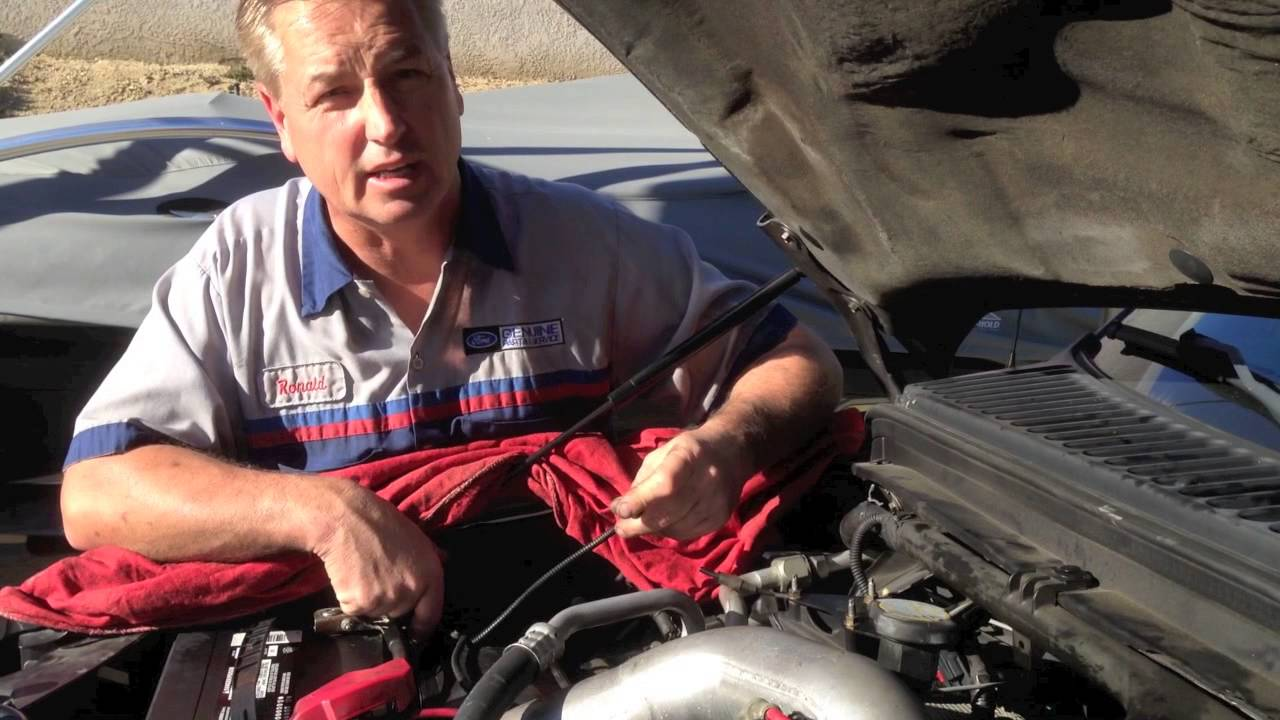 vacuum pump motor concerns on the ford 6 0 f250 f350 powerstrokes superduty youtube [ 1280 x 720 Pixel ]