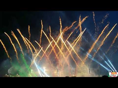 ¡Viva México! fuegos artificiales en el Zócalo de la CDMX