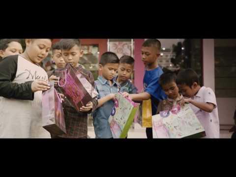 FILM INSPIRATIF !! BAJU LEBARAN UNTUK ANAK YATIM