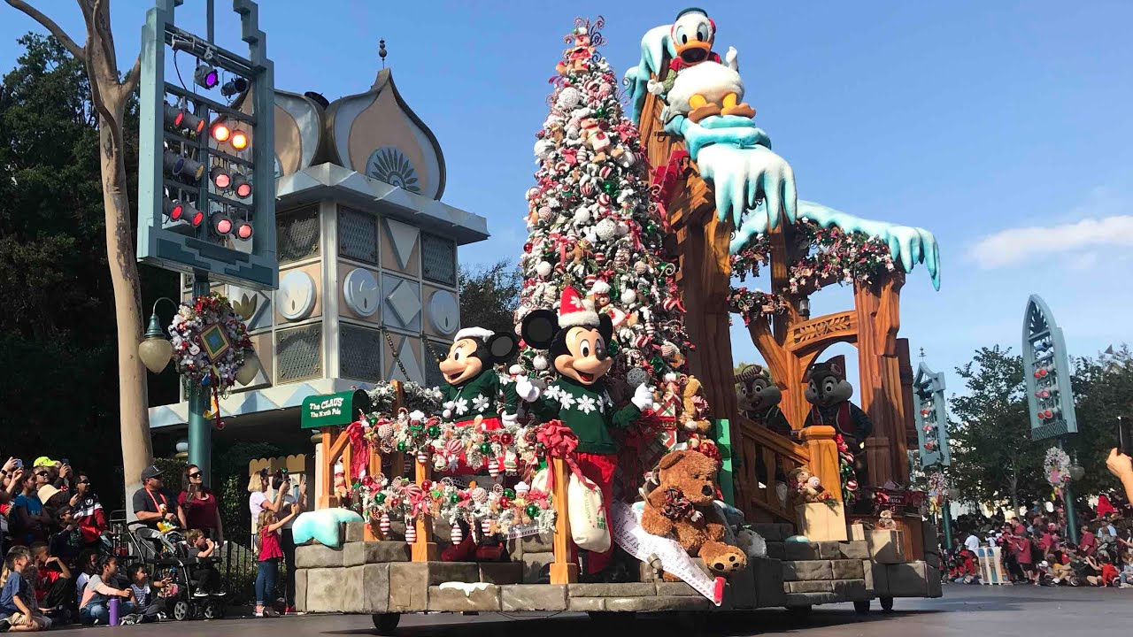 live at disneyland 2017 debut a christmas fantasy parade