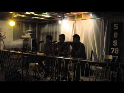 The Analyst Band - Viva La Vida (coldplay cover) at Lumberjack Resto Bandung