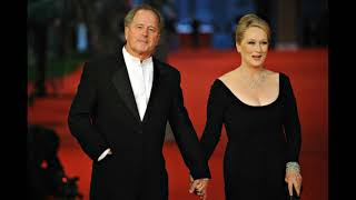 actress meryl streep with her husband Don Gummer and Their daughters and their son