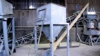 Мини завод по производству кирпича(Заинтересовало? Подпишись на канал! Кирпичная линия https://www.youtube.com/watch?v=yMThIbmYcls Универсальный станок для произ..., 2015-05-23T22:07:35.000Z)