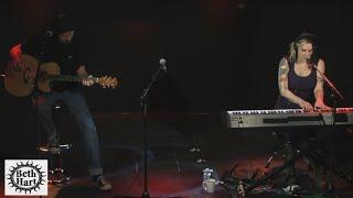 Beth Hart - Sister Heroine (Live Acoustic)