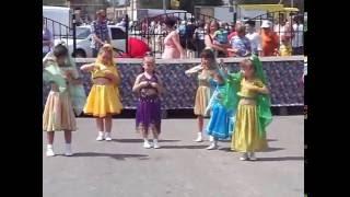 Индийский  танец дети КЛАССНО танцуют! Под песню Ziyoda Hattuba