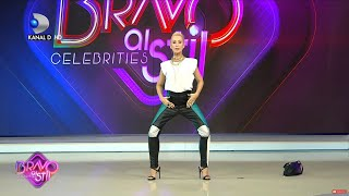 "Bravo, ai stil! - Xonia a incins atmosfera din platou cu un... ""banana dance""! Miscari provocatoare"