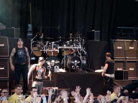 Avenged Sevenfold Almost Easy Live Rock On The Range 2009 05 17