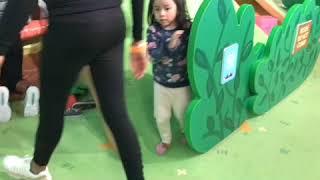 Children's fun with Peppa Pig in Dallas mall