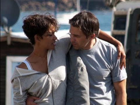 Olivier Martinez Seen Kissing Halle Berry