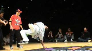 Battle Mosufu (B-Girl Crew) vs Zygomatik 2009 @ Dijon Final Round