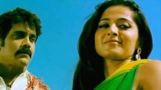 Anushka Shetty Hottest Kiss & Bed Scene
