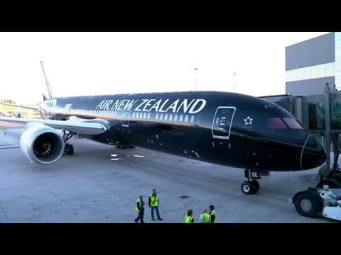787-9 Dreamliner: Seattle Takeoff - YouTube