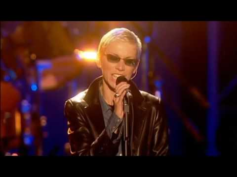 Annie Lennox and Dave Stewart (Eurythmics) .... Here Comes the Rain Again (2003)