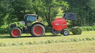 2 Schnitt 2020 Rundballenpressen mit Claas Axion 810 und Kuhn VB 3160