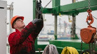 A seafarer's tale: Loneliness and danger | Life Links