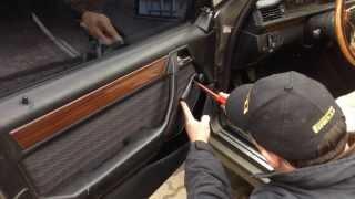Как снять дверную карту Mercedes Benz W124 | Removing the door card Mercedes(В этом сюжете мы показали как самостоятельно снять переднюю дверную карту автомобиля Mercedes Benz W124 ( 1984-1995..., 2014-02-25T16:59:31.000Z)