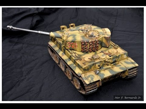 Tiger 1 Mid Production Hobby Boss 1/16...