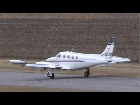 Cessna 340A Landing in Very Strong Crosswind CSU3