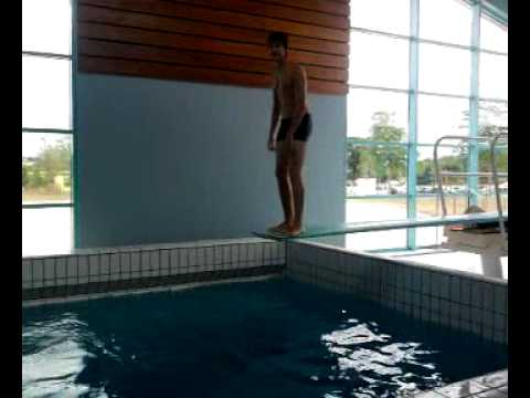 Piscine de lamballe youtube for Piscine lamballe