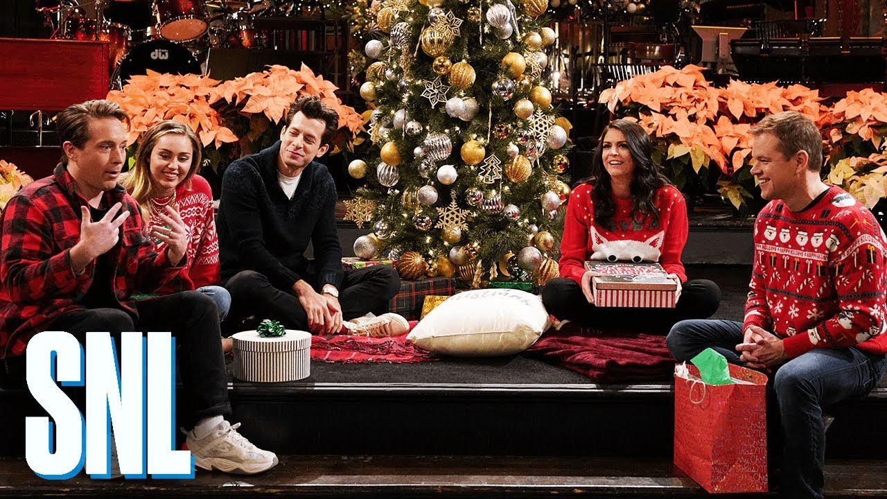 Snl Christmas Special 2019.Who Is Hosting Saturday Night Live Tonight August 31 2019