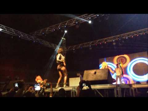 EBONY  PERFOMING AT THE sCONCERT