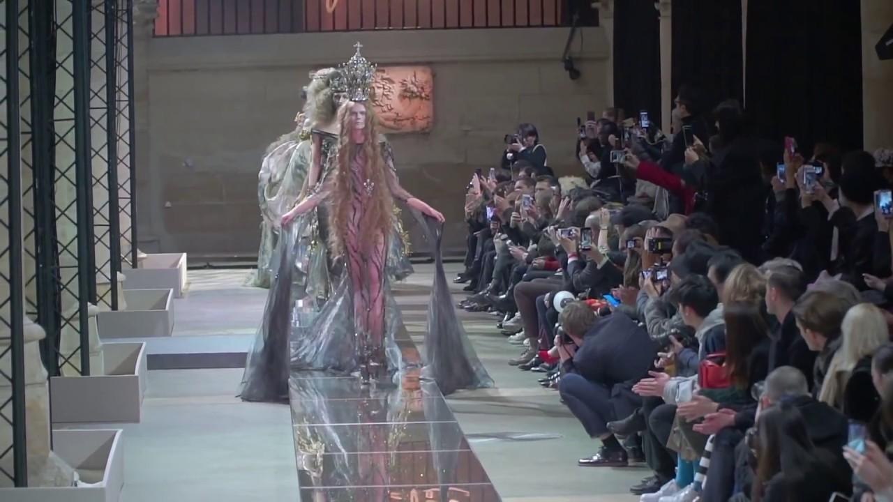 Model Irina Kravchenko gets stuck on the catwalk at Guo Pei Couture Spring 2017