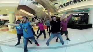 Танцевальный флешмоб в торговом центре(Ученик Игоря Моисеева, в прошлом солист его ансамбля, сегодня один из ведущих балетмейстеров в мире, Заслуж..., 2015-09-20T10:57:40.000Z)