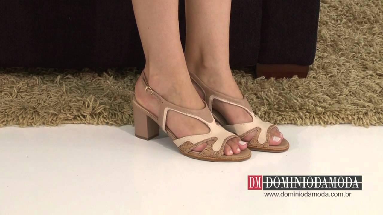 1a4ef3ef7 Calçados Femininos: Sandália Usaflex Couro Bege Nude M7614/20 Loja Online  Domínio da Moda - YouTube