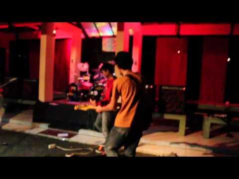 SAROENK BAND - aisyah 2 (five minutes)