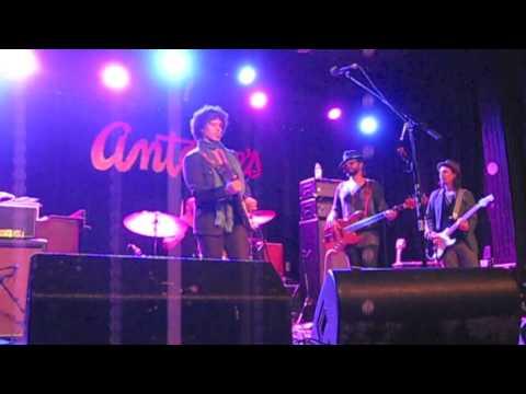 Doyle Bramhall II & Smokestack - Chariot