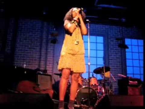 Amel Larrieux Live - Make Me Whole