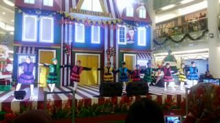 Dancing christmas polka by copelia ballet CL kids