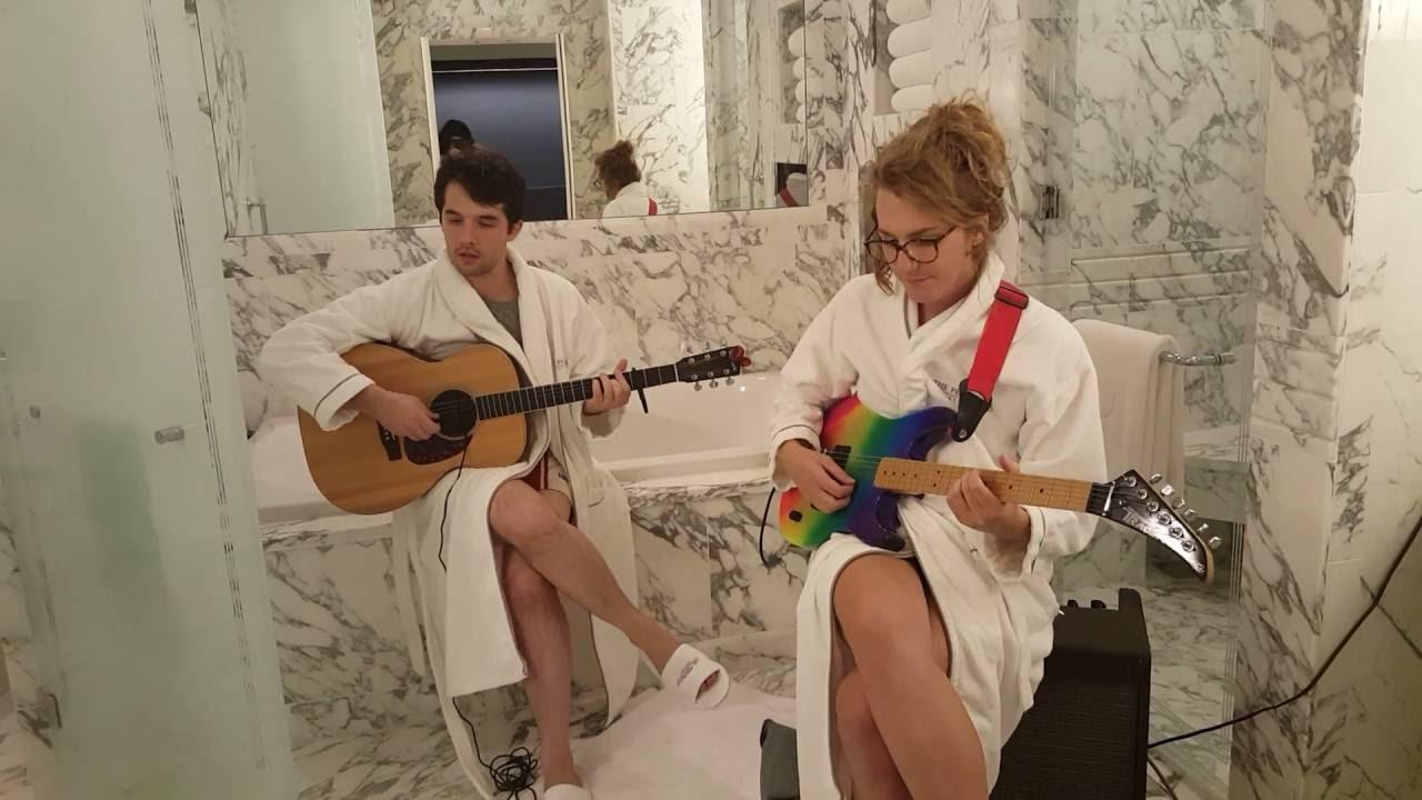 Doby Watson - In Rows (live from a fancy hotel bathroom)