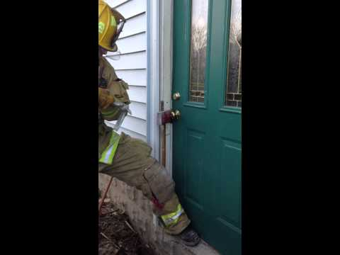 Single Firefighter Forcible Entry - Residential Door