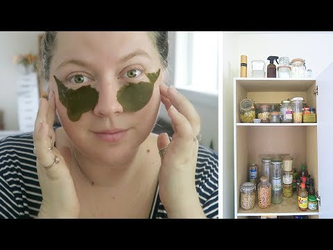 DITL: Trying Lush's New Zero Waste Skincare, My Pantry & Nerding Out